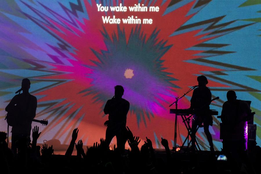 Hillsong-Worship_12